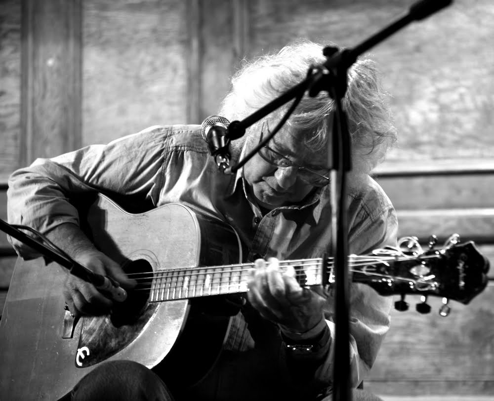 Wizz Jones - Acoustic guitarist, songwriter, folksinger and bluesman!