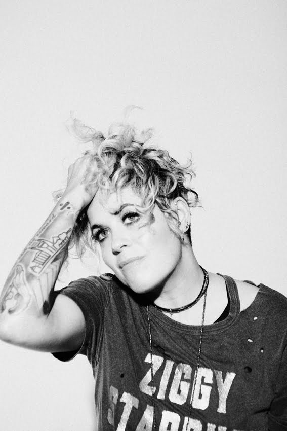 Amy Wadge plus support, The Æther